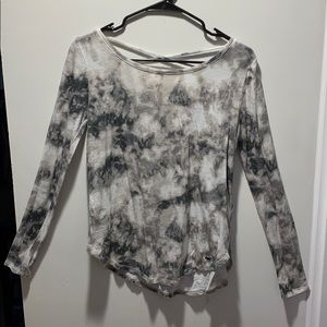 white and gray long sleeve
